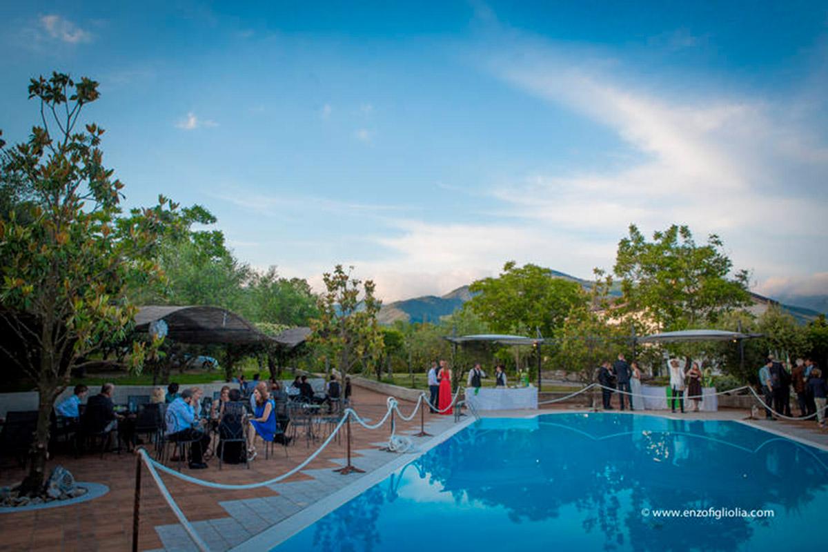 Matrimonio in piscina a Salerno